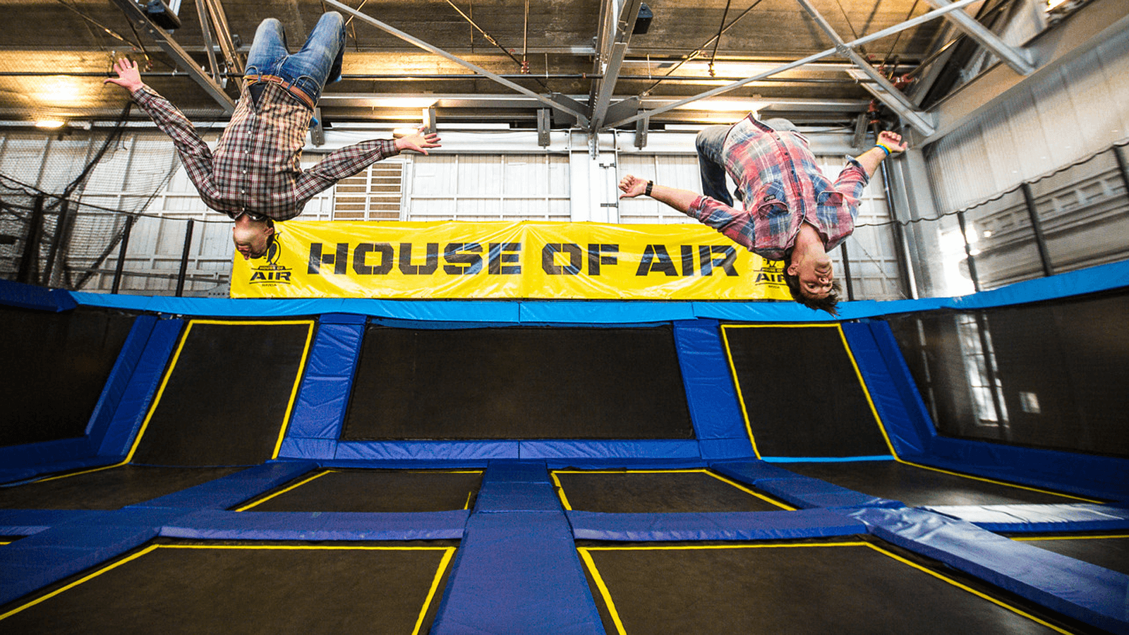 house of air trampoline park birthday parties indoor recreation. Black Bedroom Furniture Sets. Home Design Ideas